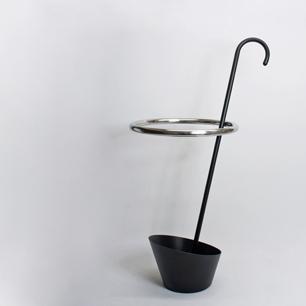 idee_kuramata_umbrella_stand1.JPG
