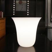 glass_bucket_lamp1.jpg
