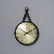 junghans_hanging_clock21.jpg