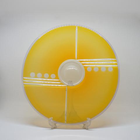 http://www.graphio-buro.com/blog/michael_jaross_yellow_plate_blog.jpg