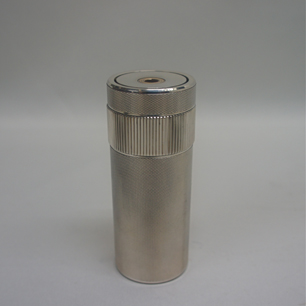 http://www.graphio-buro.com/blog/s.t.dupont%20cylinder%20lighter-2.jpg