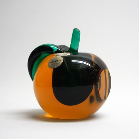 http://www.graphio-buro.com/blog/salviati_apple.JPG