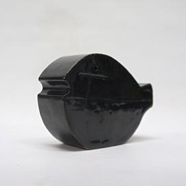 http://www.graphio-buro.com/blog/t.kohno%20ceramic%20fish-1.JPG