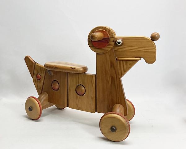 http://www.graphio-buro.com/blog/wood_dog_scooter.jpg