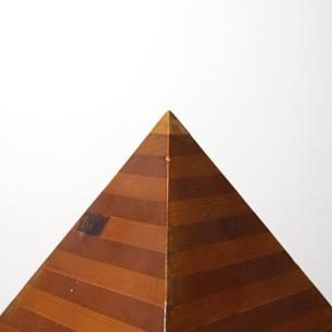 創作のためのエスキース「ピラミッド」