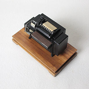IBM 405 会計機 <br>Miniature Desktop Model