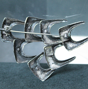 Norway Design Broach<br>「School of Fish」