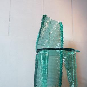 UK版 「座ることを拒否する椅子!?」