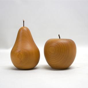 轆轤(ろくろ)から生まれた林檎と洋梨