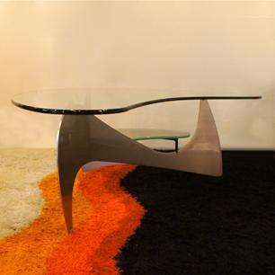 テーブル界のカルダー彫刻