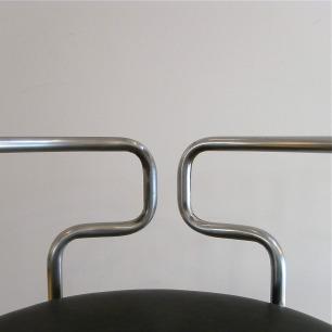 """Henning Larsen""建築美の椅子"
