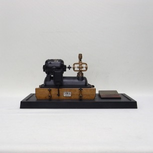 日立「1號電気ポンプ」<br/>1/4縮尺模型
