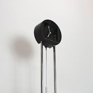 80'sイタリアに振れた時計....日本製