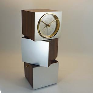 モダンキューブの時計台