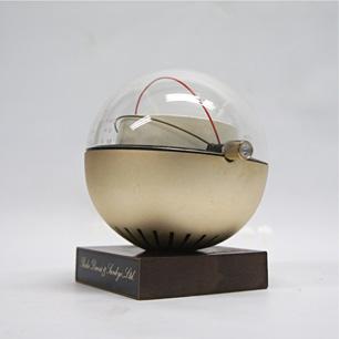 アポロ時代のカプセル衛星ラジオ