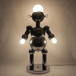 登場! 光り輝くイタリアンスーパーロボット