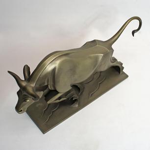 津田信夫 (号 : 大寿) 鋳金工芸「牛」彫刻