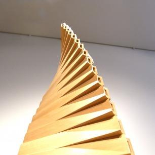 坪内剛生作 杉材指物工芸 積層螺旋照明